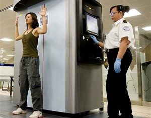 un body scanner in azione