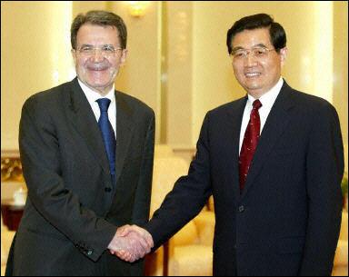 Romano Prodi ed il segretario generale del P.C.C. Hu Jintao