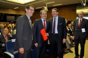 Romano Prodi con l'assessore regionale Muzzarelli e il sindaco Merola
