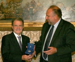Il sindaco Roberto Cosolini con Romano Prodi