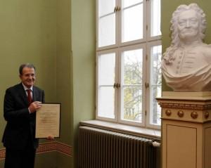 Romano Prodi im Sessionssaal des Löwengebäudes.