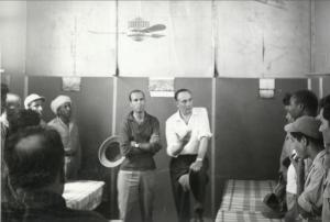 Enrico Mattei in visita al campo dell'Agip Mineraria Marocco, Oum Doul, 1960