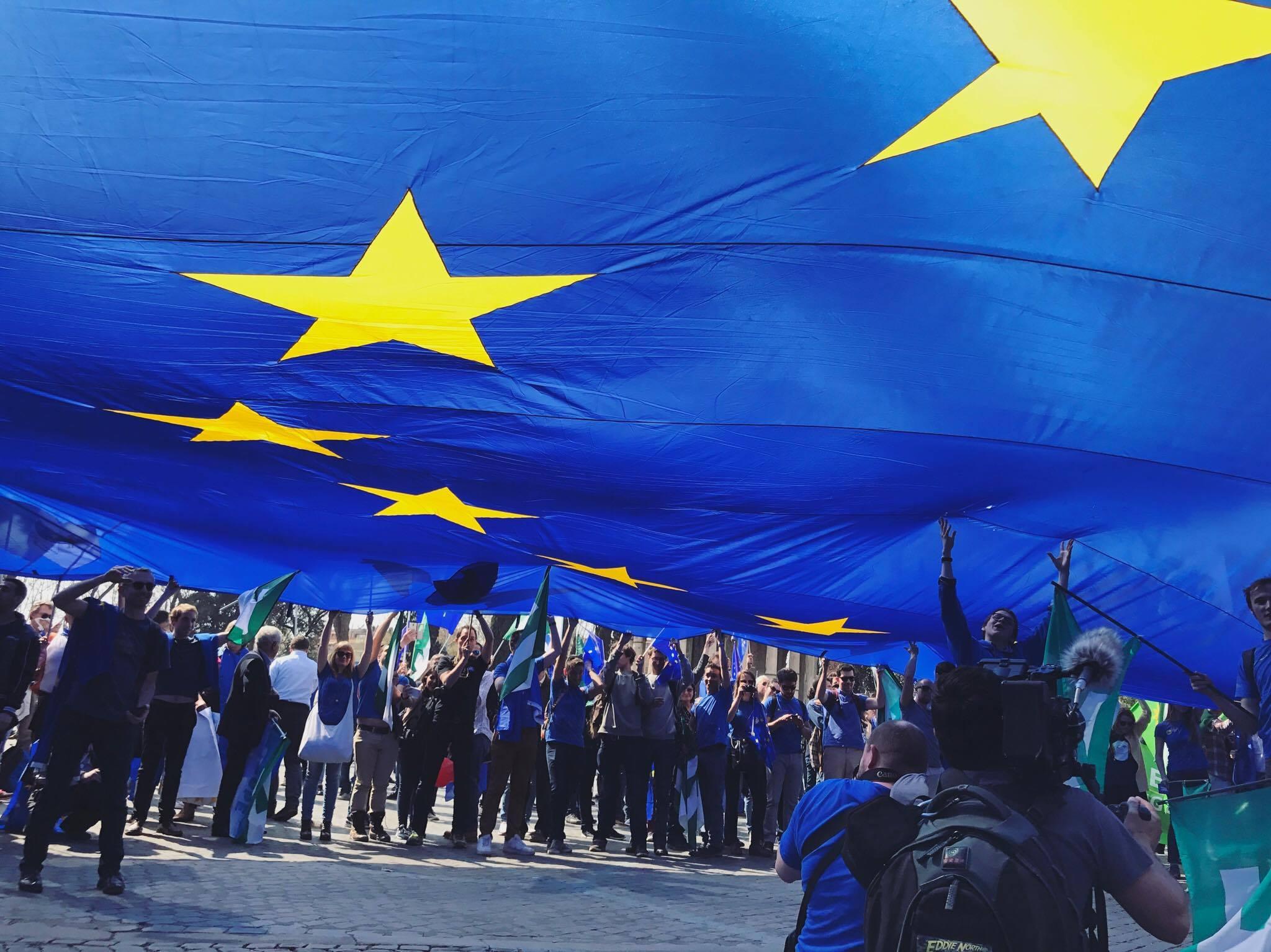 Romano Prodi Ecco Come Riappropriarci Dell Europa Come Patria